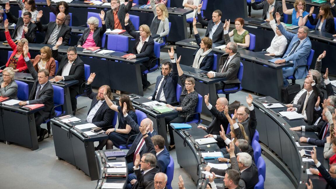 SPD fordert, dass Volksvertreter in die gesetzliche Rente wechseln sollen