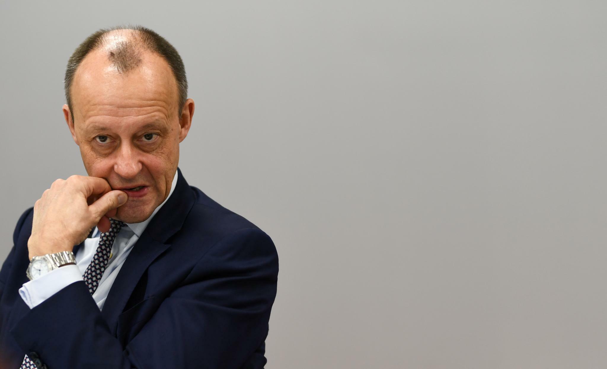 """Merz will Steuerreform–""""Bierdeckel kommt beidseitig beschrieben"""""""