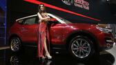 Model mit H7 SUV von Great Wall. ap