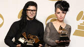 Skrillex Featuring SirahDer Grammy in der Kategorie Best Dance Recording ging an den US-amerikanischen DJ Skrillex. Der 25-jährige Künstler ist neben seiner Tätigkeit als DJ Musikproduzent im Bereich Dubstep und Electro. Vor seiner Karriere als DJ Skrillex alias Sonny John Moore war der in Los Angeles geborene Musiker Frontsänger der Band From First to Last. Matt Sayles/Invision/AP