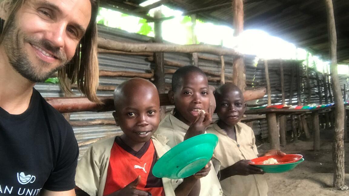 Wie der Bürokaffee Kindern in Burundi helfen kann