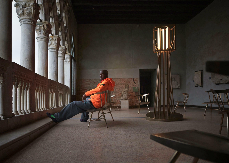Louis-Vuitton-Chefdesigner Virgil Abloh entwirft Bronzemöbel