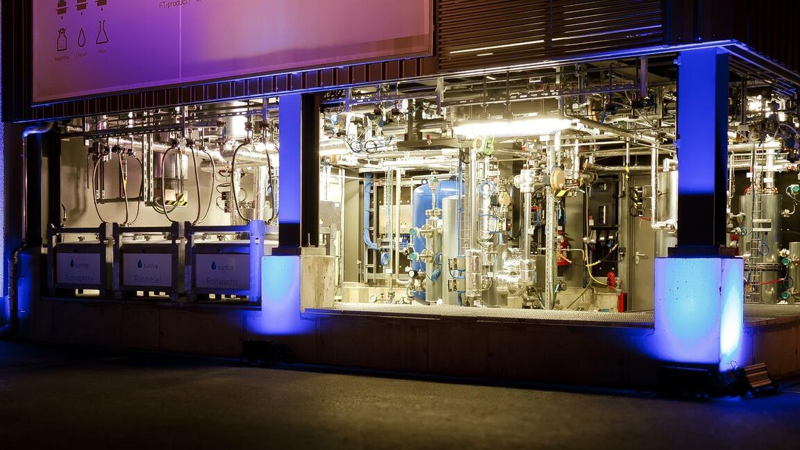 Wasserstoff-Start-up Sunfire startet Produktion von E-Fuels im industriellen Maßstab