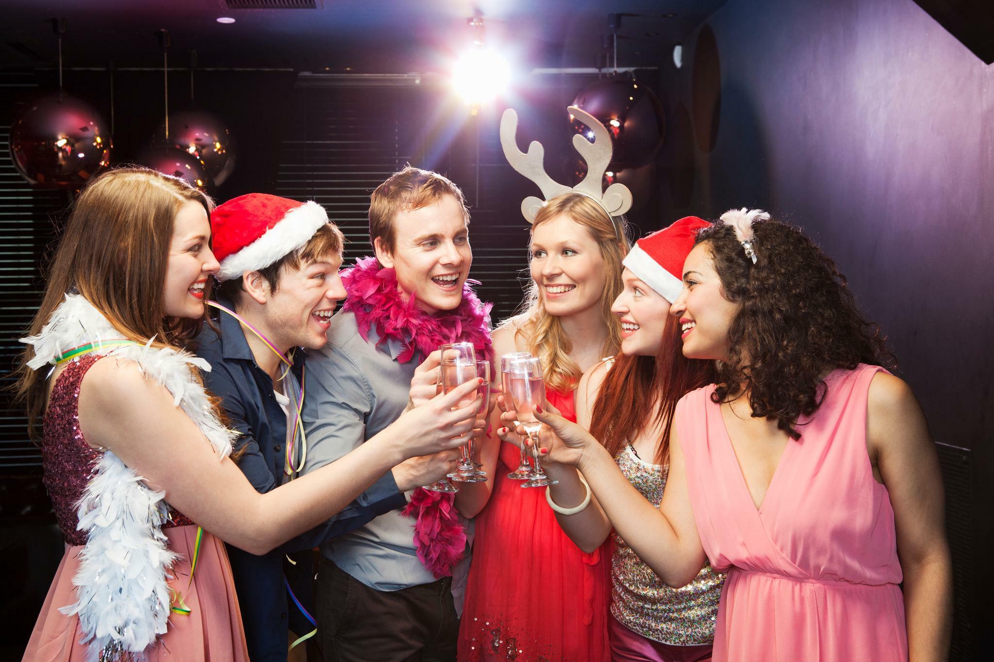 Alkohol Weihnachtsfeier.Ratgeber Wie Die Weihnachtsfeier Zum Karriere Sprungbrett Wird